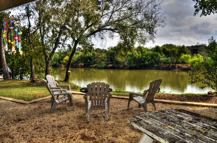 Waco Vacation Rentals Brazos River Cabin