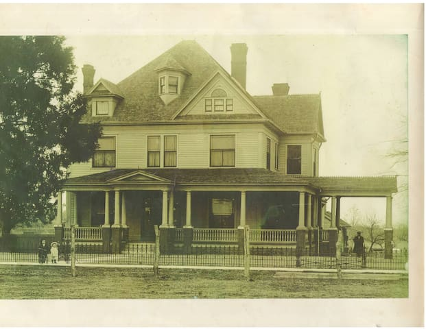 An historical photo likely taken circa 1910. Ask us about the details.