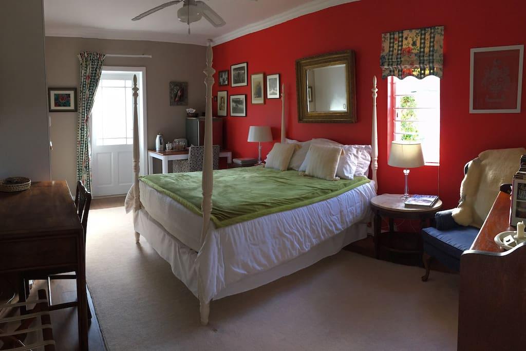 Super cozy private suite