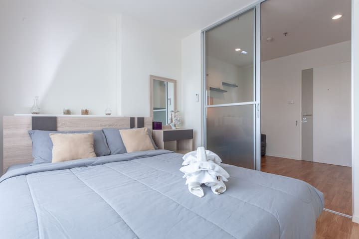 in bedroom contemporary feel while still feeling comfortable and looking a nice pool view from your bed