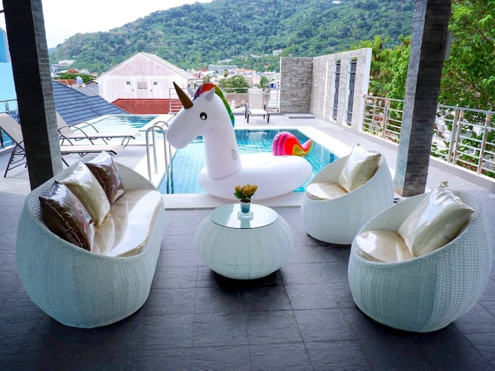 Brand new villa with pool and Jacuzzi in Patong