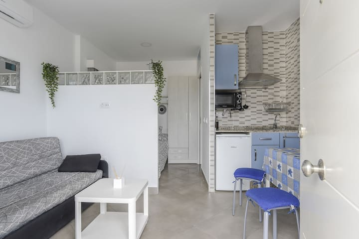 """Cozy Apartment """"Ríosur A"""" Close to the Centre and the Beach with Wi-Fi; Parking Available"""