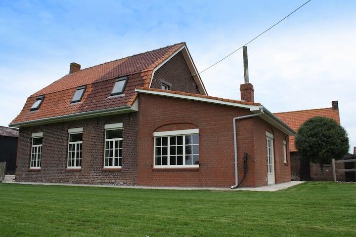 Mooi vakantiehuis in het prachtige Heuvelland. Ideaal voor familieweekendjes!