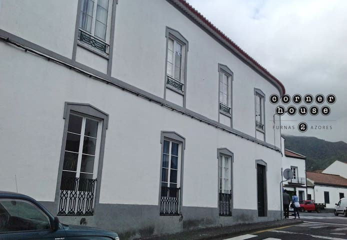 Corner House - Furnas - Apartment