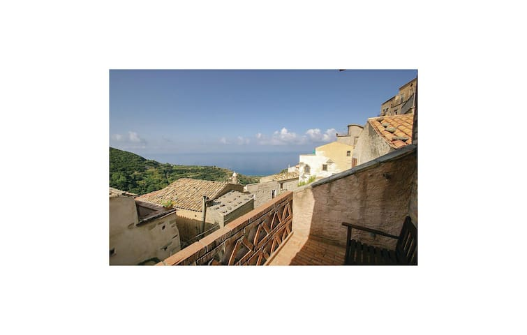 Holiday apartment with 1 bedroom on 35 m² in Belmonte Calabro (CS)