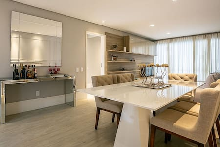 Apartamento moderno e estiloso completo