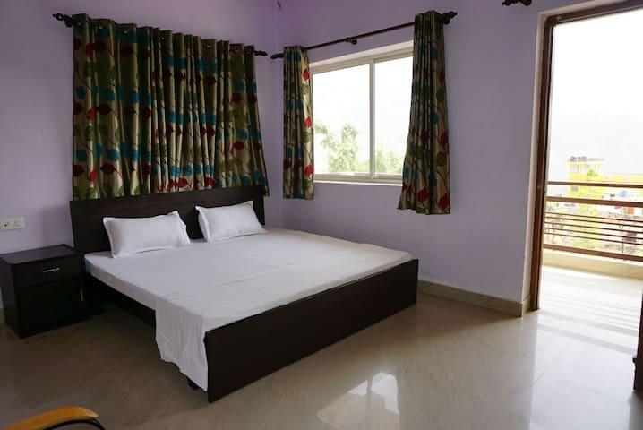 Spacious Apartment in Rishikesh