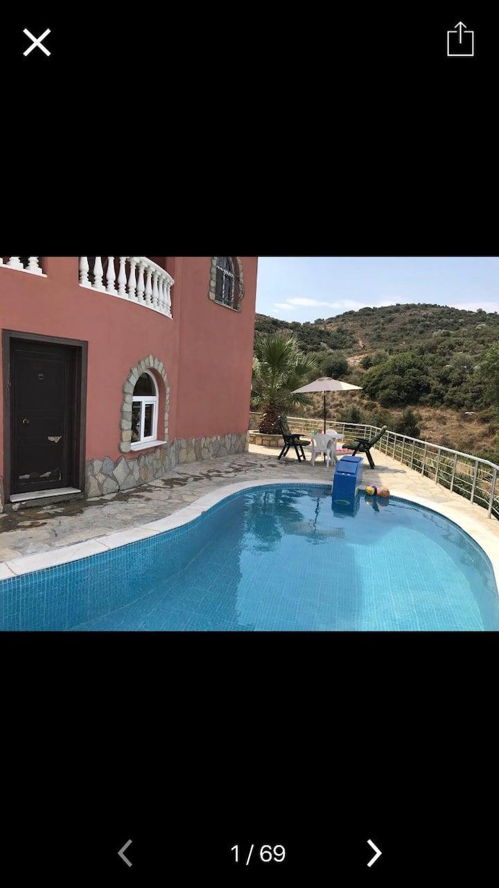 Villa Sanny mit eigenem Pool