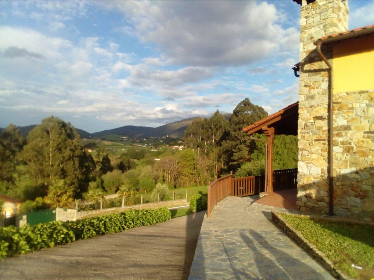 Vistas del valle de las Luiñas desde la casa