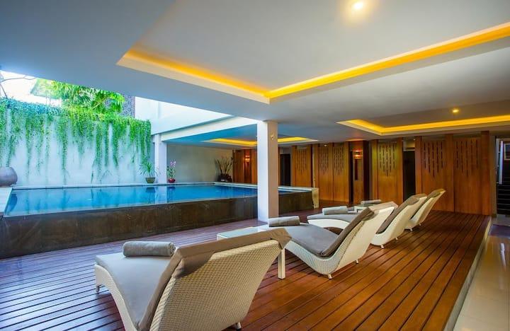 Classy space+Pool public+Restaurant+24Hourstaff