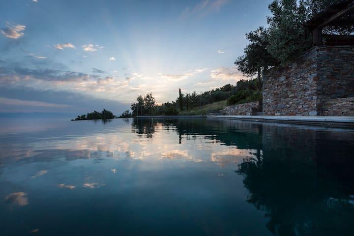 Superbe vue - accès simple depuis Athènes