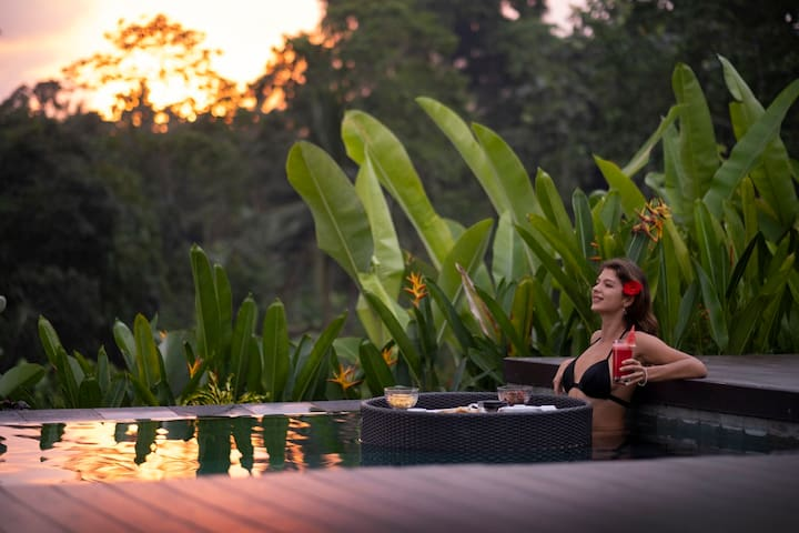 Tranquil Tegal Tis Sunset View Villa