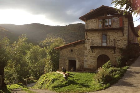 caserío en la montaña navarra - Arrarats - Talo