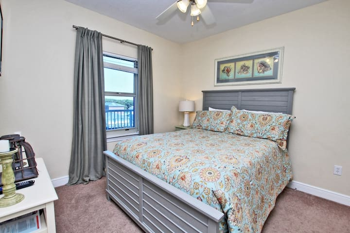 Lagoon View Guest Bedroom