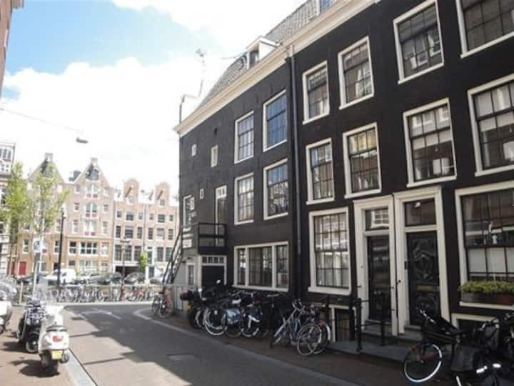 Authentic Amsterdam Hideout!