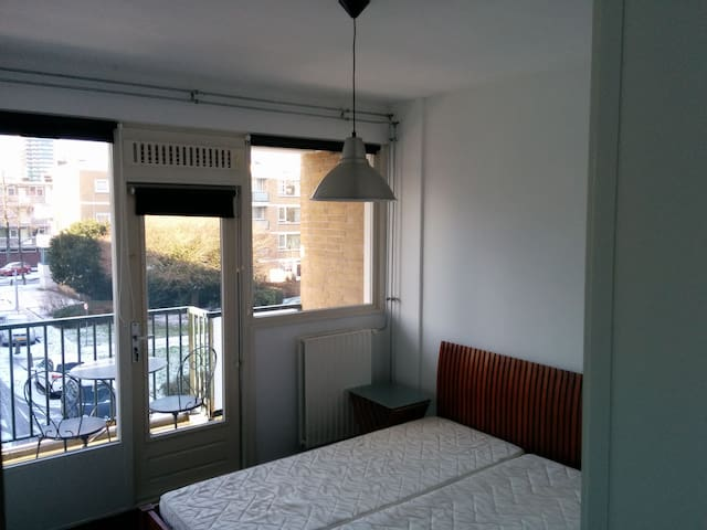 Apartment near RAI and Zuid As