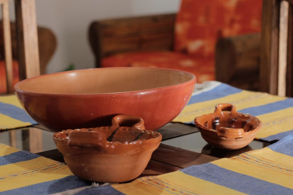 Prepare a real mexican dinner!, Find our genuine handmade goods in the kitchen and arrange the table!