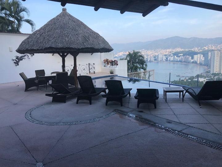 Acapulco disponible para 15