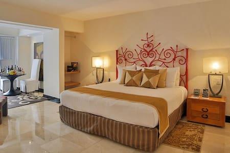 Stunning Suite at Grand Oasis Tulum (Rivera Maya)