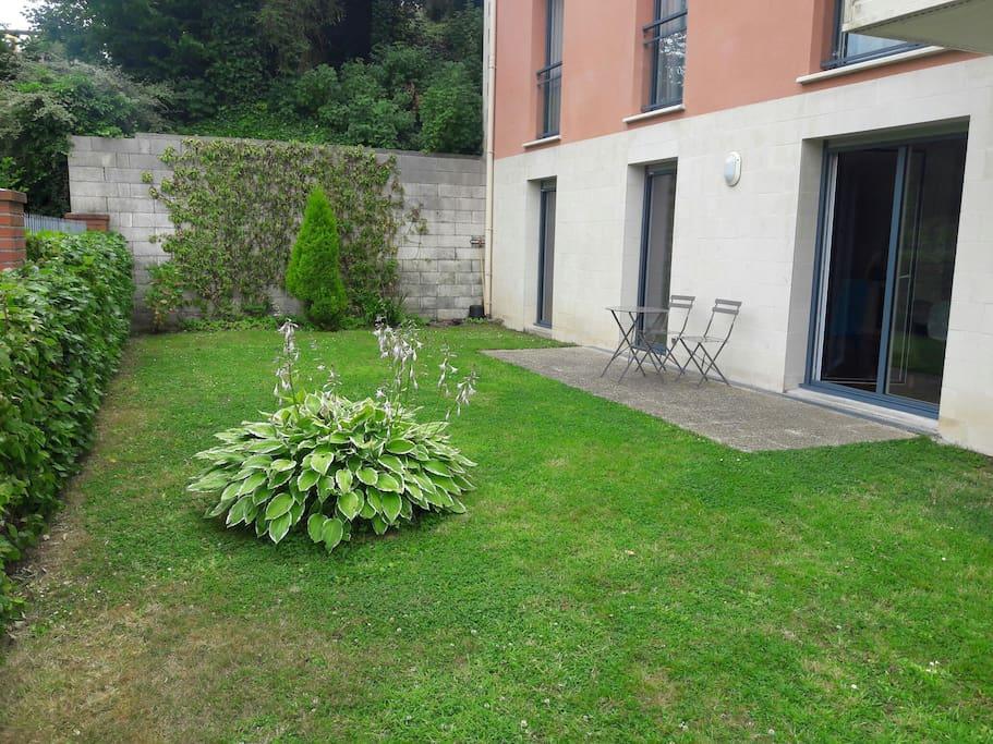 Appartement avec jardin en normandie 25 kms mer for Appartement a louer avec jardin bruxelles
