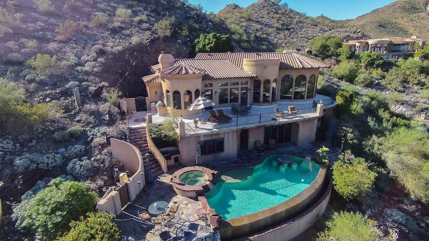 Villa Feroce- Stunning Paradise Valley home w/ pool, spa & gorgeous views! - Paradise Valley - Dom