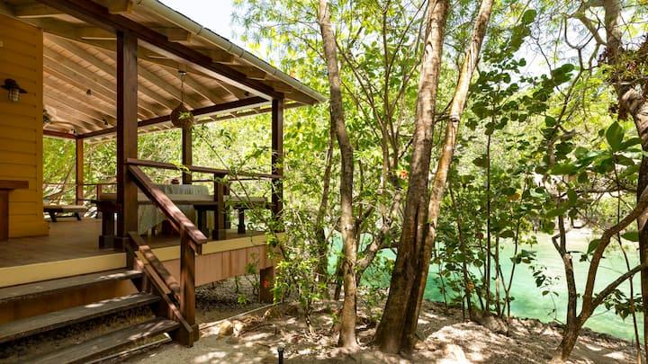 Goldeneye One Bedroom Lagoon Villa