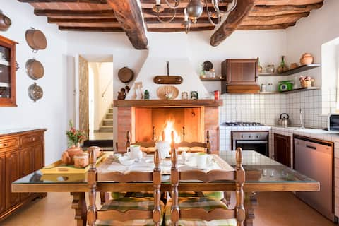 Tipica casa padronale toscana autentica e ricca di fascino.