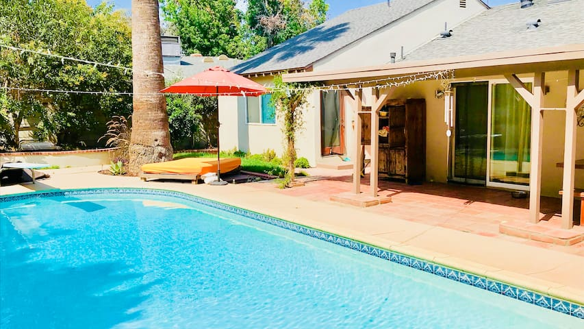 Mid Century Modern with pool in LA
