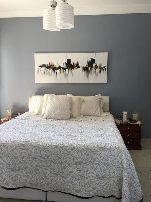 The Room - Queen Size Bed