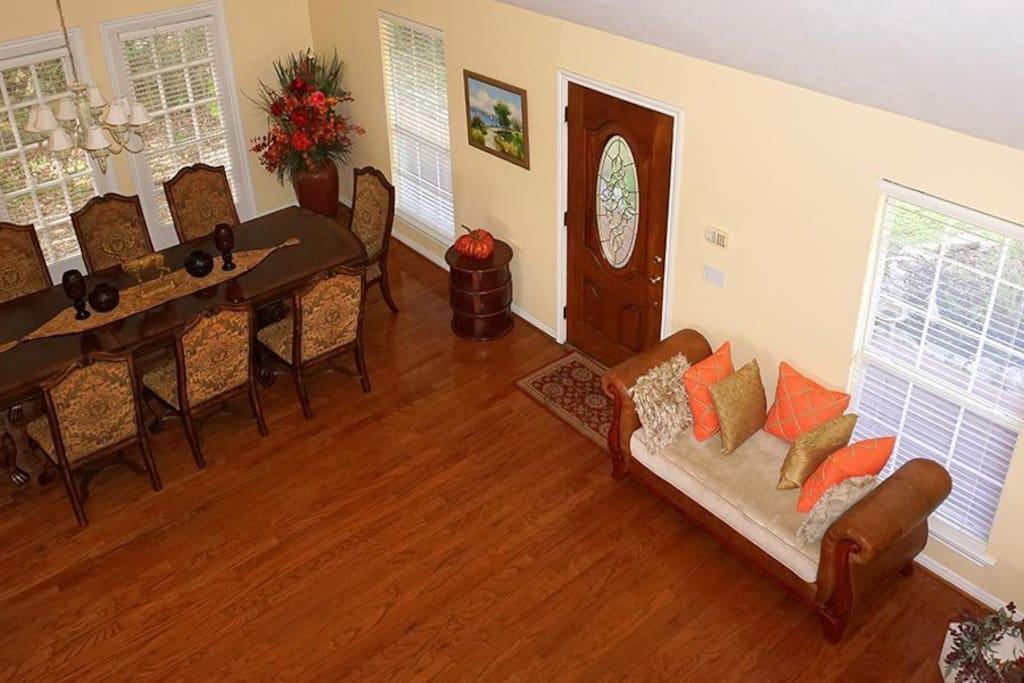 Entry with Formal Dining