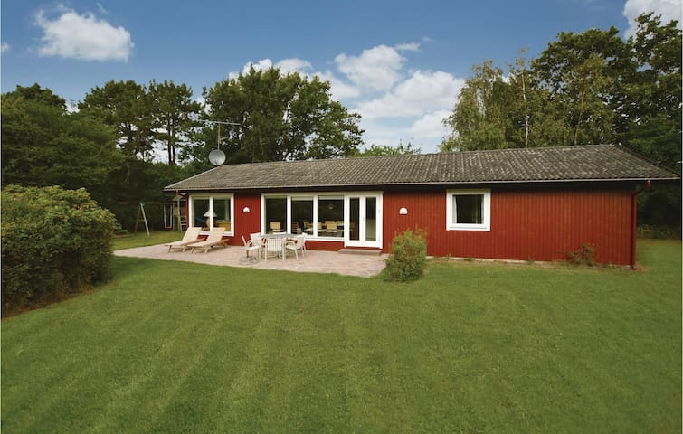 Holiday cottage with 4 bedrooms on 116 m² in Sjællands Odde