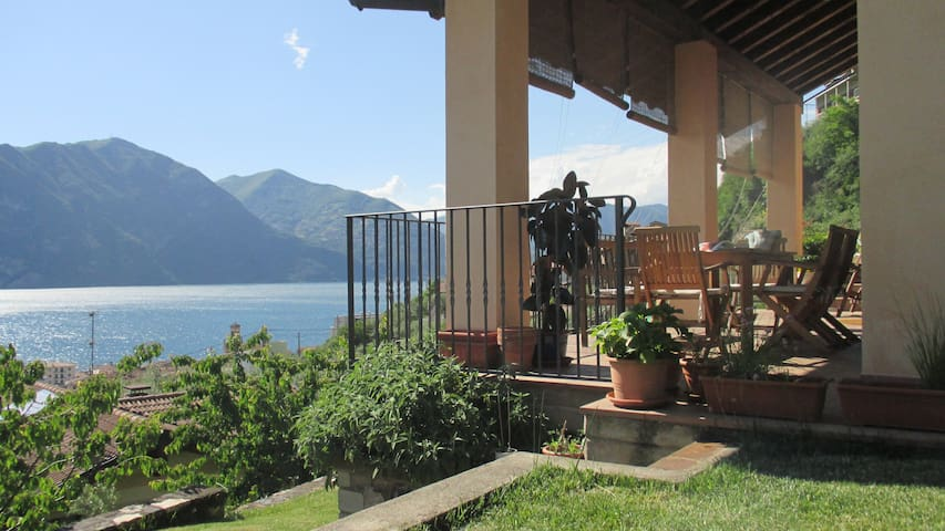 Casa panoramica on Iseo Lake - Marone - House