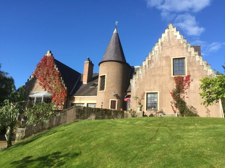 Highland Bear Lodge - Mary Queen of Scots Suite