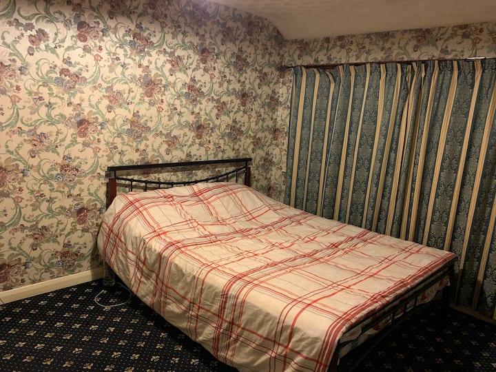 Specious Double bedroom  to rent
