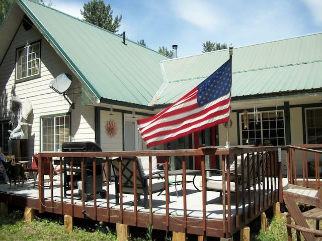 Lathrop Family Ranch: Master Bedroom Suite