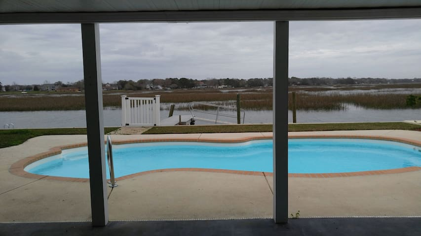 River Front Private Pool Apartment - Charleston - Apartment
