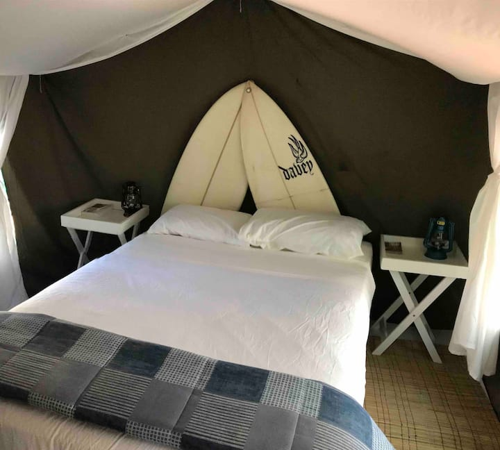 Glamping with off-street parking & sea view