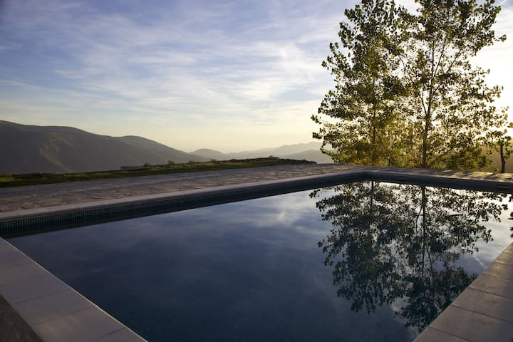 Stunning view, pool, relaxing nature (Ensuite 3) - Soportújar - Bed & Breakfast