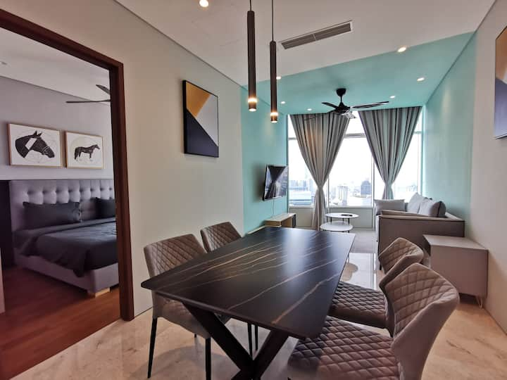 A386 SkySuites 2BR Skyline KL Tower View for 4pax