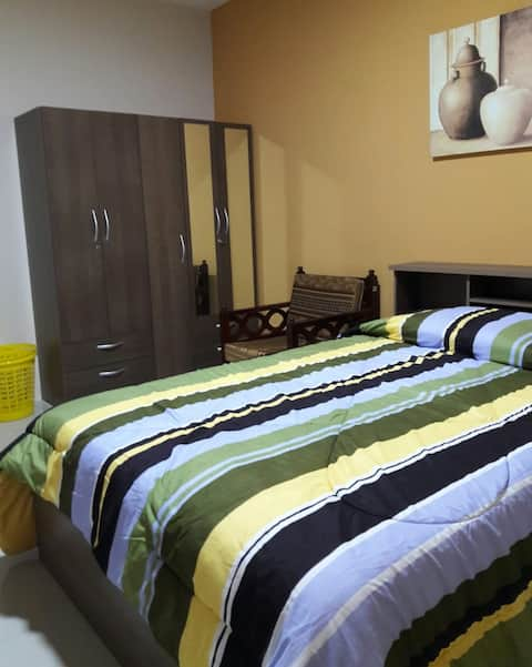 Habitación Amoblada Y Servicios - Unioro Machala