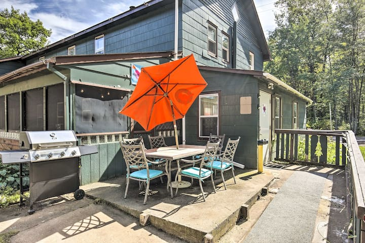 NEW! Converted Hostel 12.4 Miles to Hayward Lake!