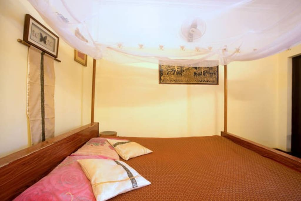 With private bathroom  Room  n°5 for couple or single