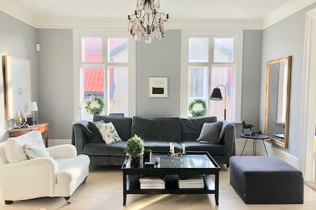 Modern living with turn-of-the-century ambiance