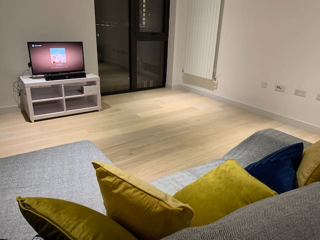 Modern, connected and spacious 1 bed apartment