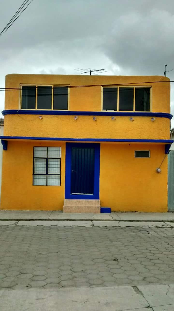 Casa de la Luciérnaga, habitación en planta alta