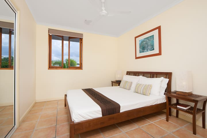 Spacious & comfortable for great tropical holidays