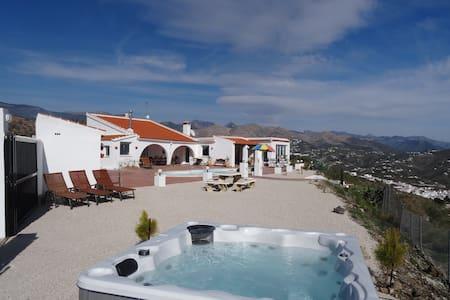 Villa El Paraiso - Corumbela - Haus