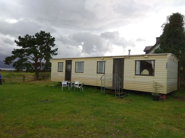 Cosy Caravan with Loch view