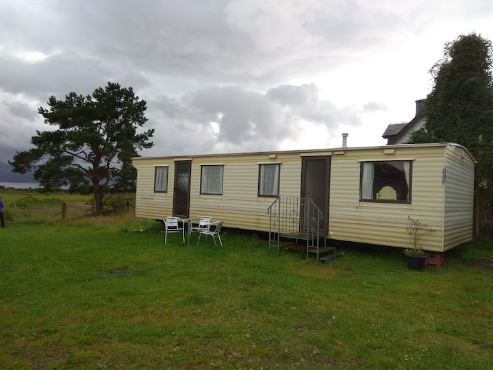 Cosy Caravan with Loch view