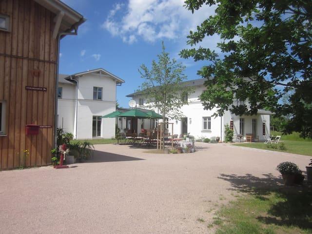 LUISENHOF Ostsee nahe Warnemünde - Wohnung Marie